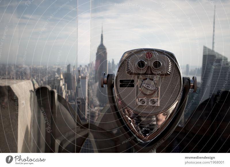 Blick vom Rockefeller Center New York City USA Amerika Stadt Stadtzentrum Skyline träumen Fernglas Empire State Building Farbfoto