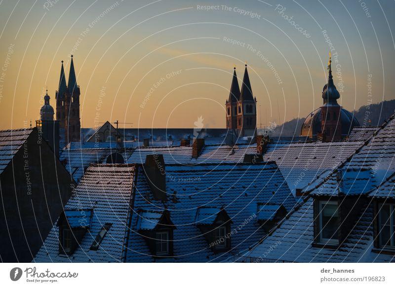 domspitzen Würzburg Franken Europa Stadt Skyline Haus Kirche Dom Burg oder Schloss Fenster Tür Dach Dachrinne Schornstein Sehenswürdigkeit Wahrzeichen Denkmal