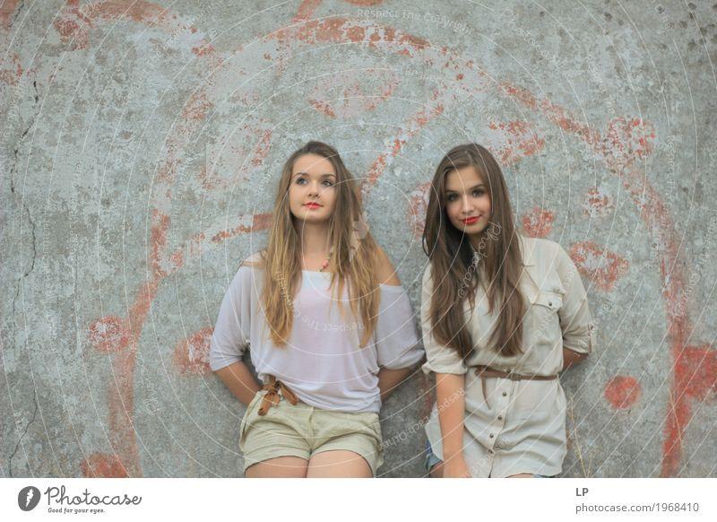 Mädchenmacht Lifestyle Stil schön Mensch feminin Junge Frau Jugendliche Geschwister Familie & Verwandtschaft Freundschaft Paar Partner Leben genießen