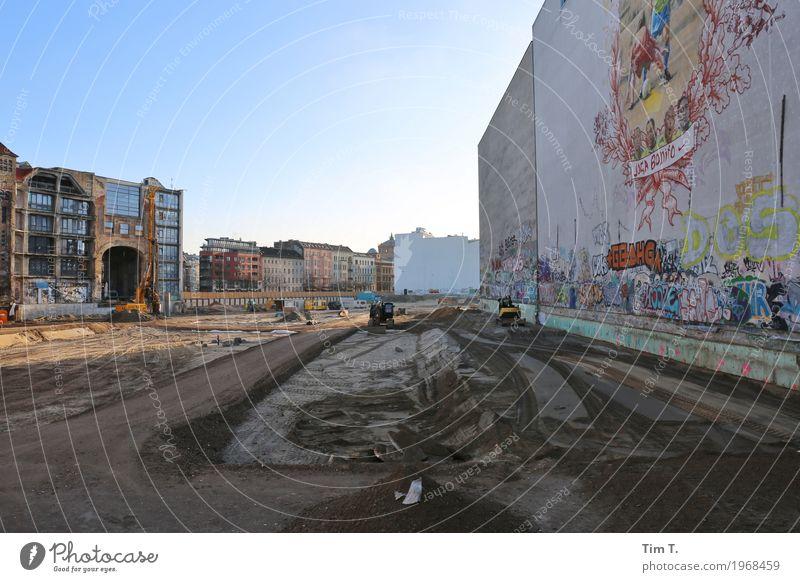 Friedrichstraße Berlin Stadt Hauptstadt Stadtzentrum Altstadt Skyline Menschenleer Handel Tacheles Baustelle Neubau Farbfoto Außenaufnahme Morgen Tag