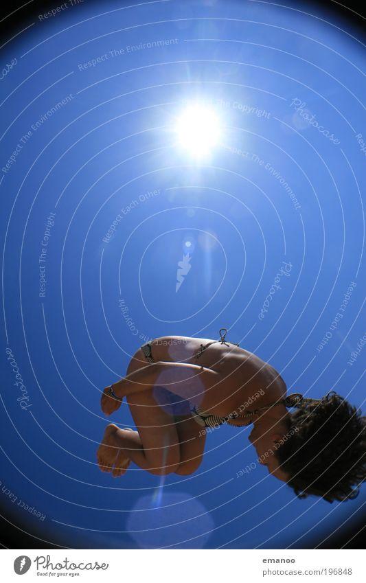 saltosommer II Mensch Jugendliche blau schön Ferien & Urlaub & Reisen Sonne Sommer Strand Freude Erwachsene feminin Sport Bewegung springen Gesundheit Körper