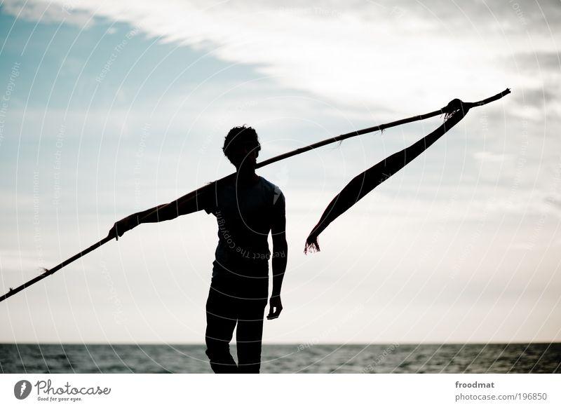 fahnenappell Mensch Mann Erwachsene dunkel Küste Kraft laufen wandern maskulin Erfolg Coolness Wandel & Veränderung Macht bedrohlich Fahne Mut