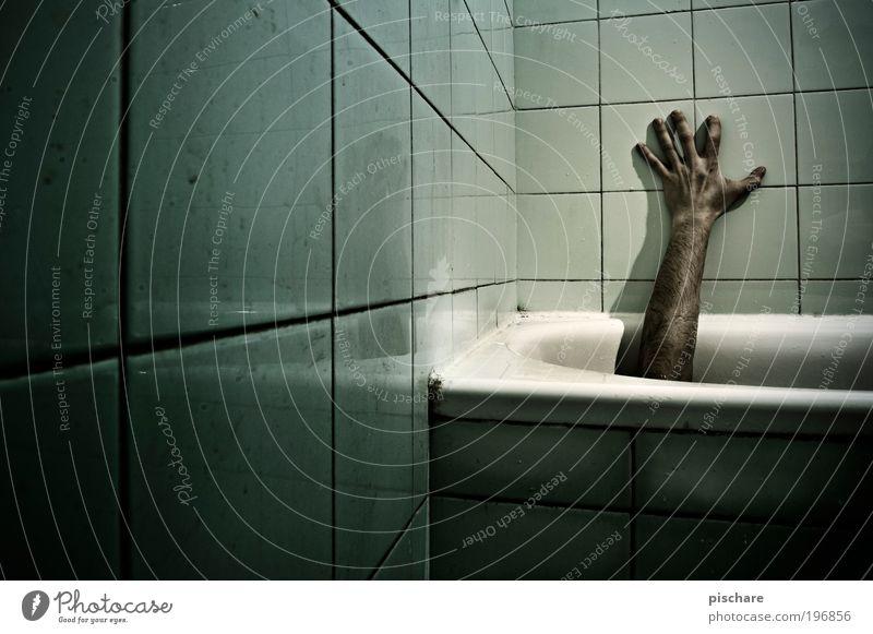 no use for blümchenfotos grün Hand Erwachsene dunkel Tod Angst Arme dreckig maskulin verrückt gefährlich kaputt bedrohlich Badewanne berühren gruselig