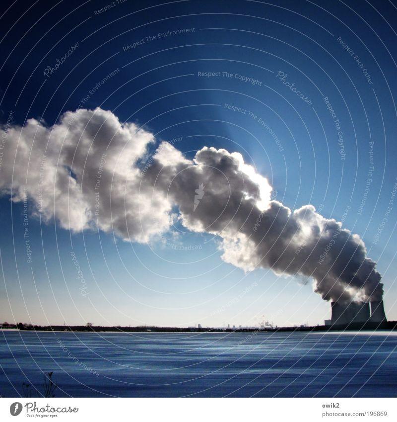 Rauchzeichen Wirtschaft Industrie Unternehmen Technik & Technologie Energiewirtschaft Kohlekraftwerk Umwelt Natur Landschaft Wolkenloser Himmel Horizont Winter