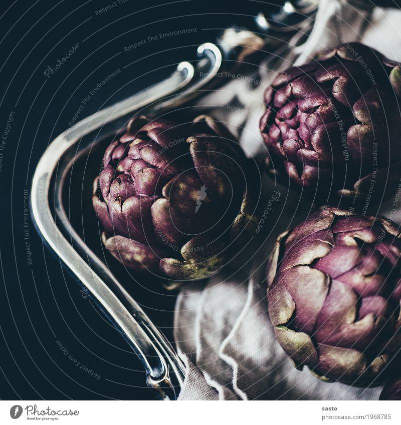 Artischocken mit Bogen Lebensmittel Gemüse Ernährung Bioprodukte Vegetarische Ernährung Slowfood ästhetisch elegant Gesunde Ernährung gesund roh organisch