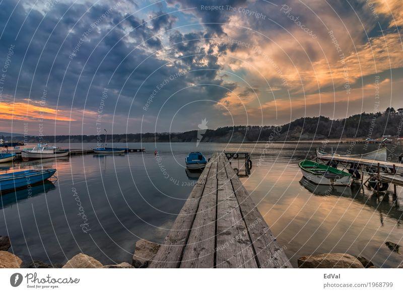 am Pier Himmel Natur Ferien & Urlaub & Reisen blau schön Landschaft Meer rot Einsamkeit Wolken ruhig Strand schwarz Küste Holz See