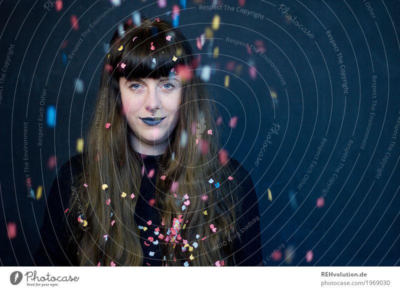 Carina | Konfetti Stil Design schön Lippenstift Feste & Feiern Mensch feminin Junge Frau Jugendliche Erwachsene Gesicht 1 18-30 Jahre Haare & Frisuren brünett