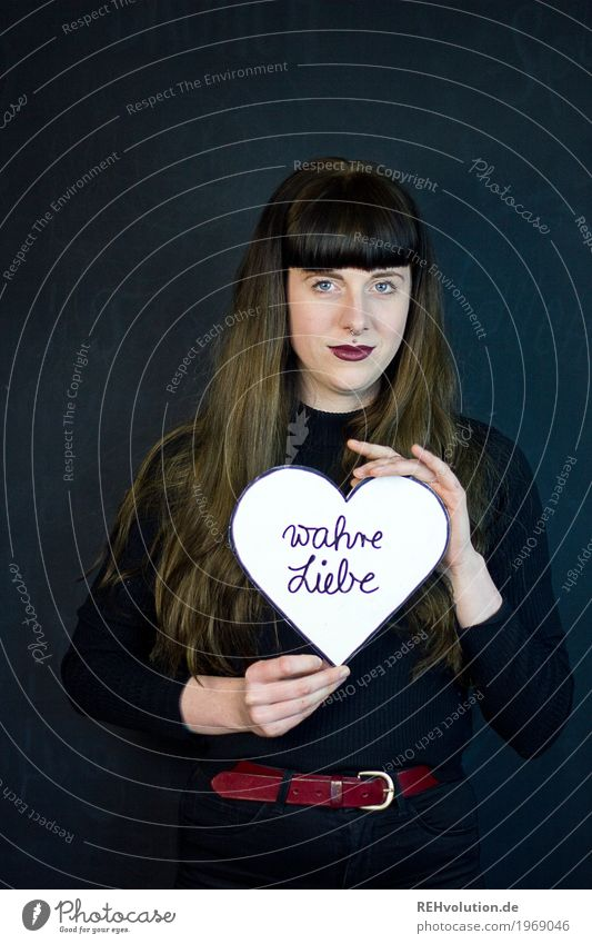 Carina | wahre Liebe Mensch Jugendliche Junge Frau 18-30 Jahre schwarz Gesicht Erwachsene feminin Stil Glück Haare & Frisuren Zufriedenheit Schriftzeichen