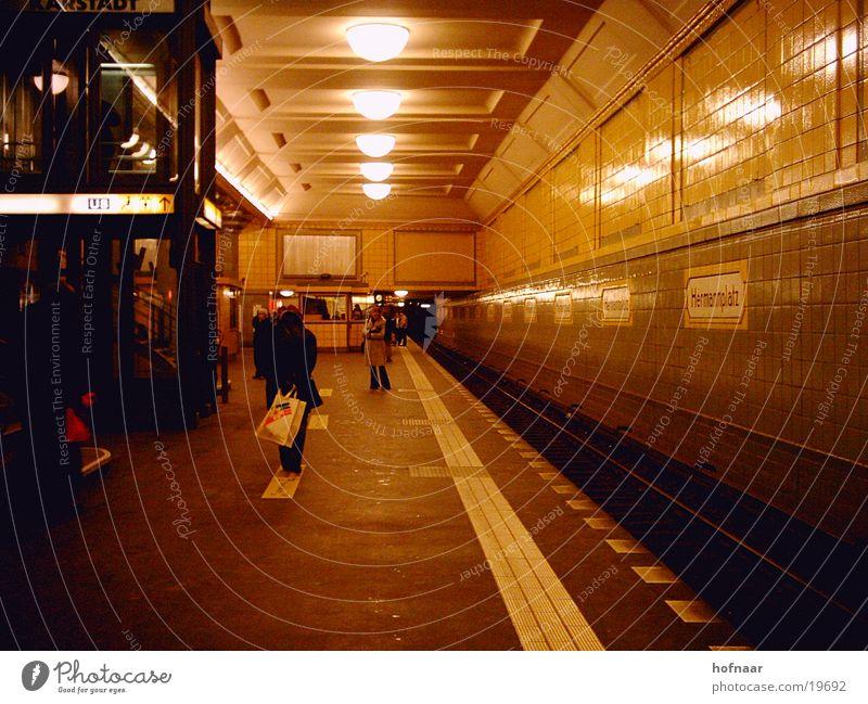 berlin-underground Mensch gelb Berlin Europa U-Bahn London Underground S-Bahn