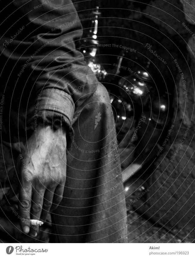 7 Minuten Mann Hand schön ruhig Erholung Arbeit & Erwerbstätigkeit dreckig Haut Erwachsene maskulin Finger Pause Baustelle Rauchen Gelassenheit Zigarette