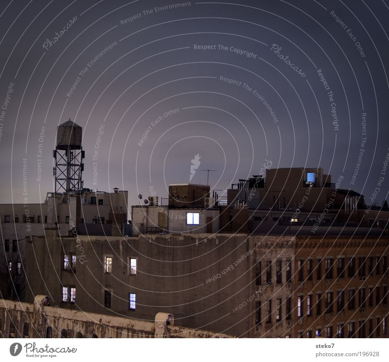 Spaceshuttle alt Stadt Haus Wand Mauer Fassade trist Dach Nachthimmel außergewöhnlich Amerika Stadtzentrum New York City verwohnt Dachterrasse