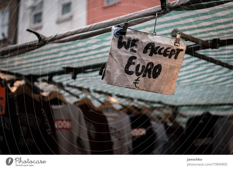 Brexit Ferien & Urlaub & Reisen Stadt Tourismus Schriftzeichen Schilder & Markierungen Bekleidung kaufen Hinweisschild Geld Städtereise Handel Markt bezahlen
