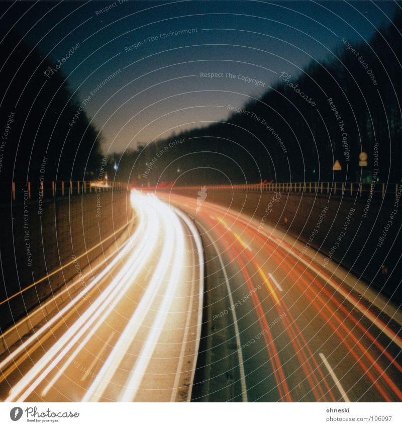 A40 Ferien & Urlaub & Reisen Straße PKW Straßenverkehr Energie Verkehr Geschwindigkeit Güterverkehr & Logistik Autobahn Verkehrswege Autofahren