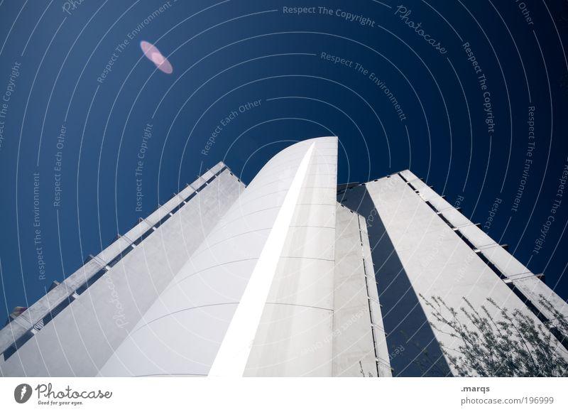 Haushoch blau weiß Stadt Architektur Gebäude Fassade Design Hochhaus Erfolg groß Perspektive Zukunft Baustelle