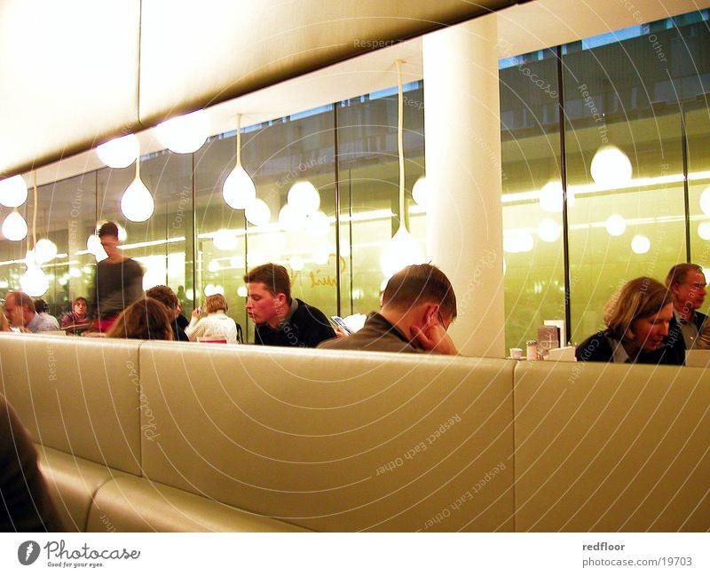 cafe hypo-kunsthalle münchen Menschengruppe München Café Bayern Hamburger Kunsthalle