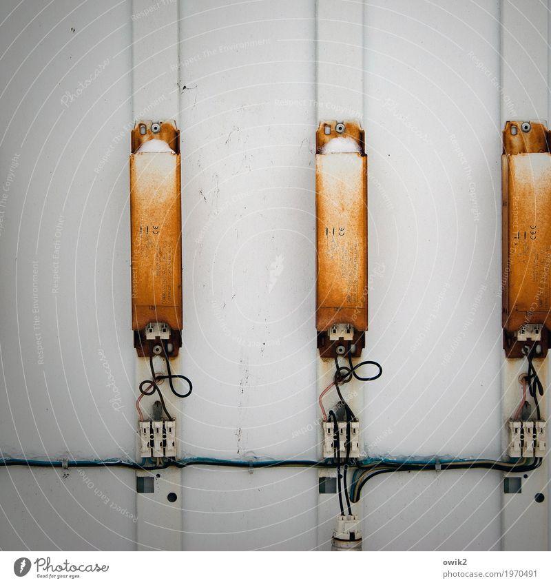 Kontaktbörse Technik & Technologie Energiewirtschaft Energiekrise Sicherung Sicherungskasten Draht Kabel Metall Kunststoff Freundschaft Zusammensein