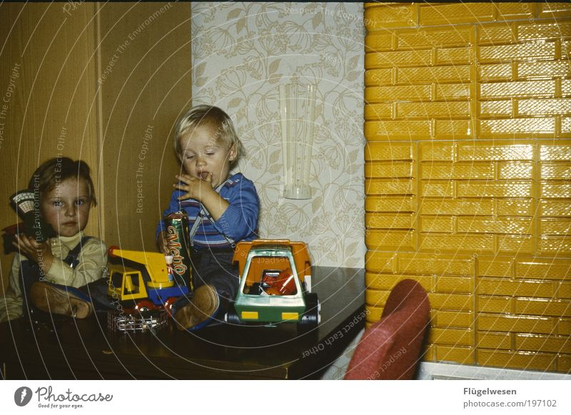 Happy Birthday Kleiner Freizeit & Hobby Spielen Kinderspiel Kindererziehung Bildung Mensch Junge Geschwister Bruder 2 3-8 Jahre Kindheit Jugendkultur blond