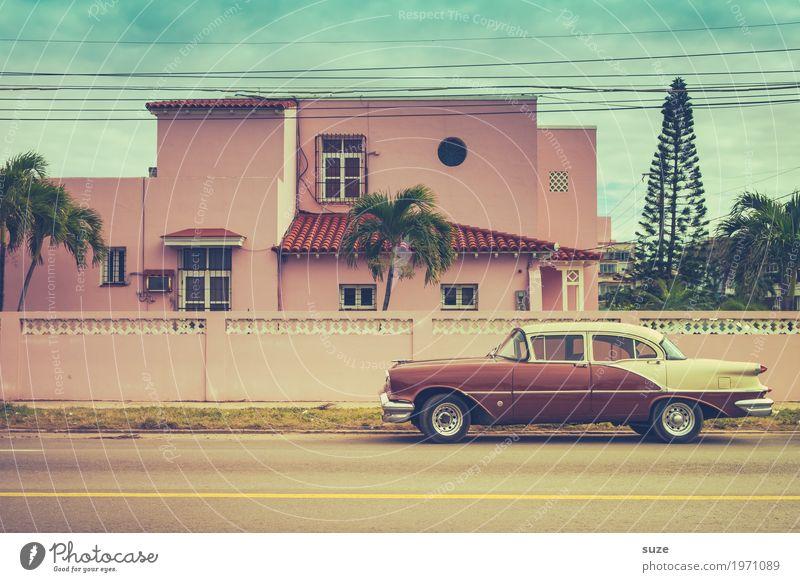 Sommerschlitten Ferien & Urlaub & Reisen alt Straße Lifestyle außergewöhnlich Zeit rosa Design PKW retro ästhetisch fantastisch Vergänglichkeit Coolness