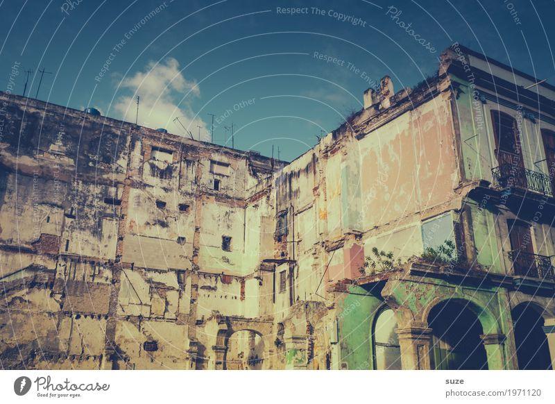 Unbekannt verzogen Ferien & Urlaub & Reisen Städtereise Haus Kultur Stadt Ruine Fassade alt Armut authentisch außergewöhnlich Coolness dreckig exotisch kaputt