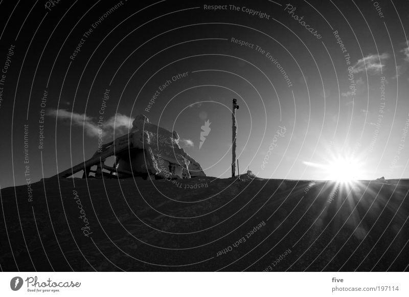 luosto VI Himmel Natur Ferien & Urlaub & Reisen Landschaft Wolken Ferne Winter kalt Berge u. Gebirge Schnee Freiheit Felsen Tourismus Ausflug Hügel Hütte