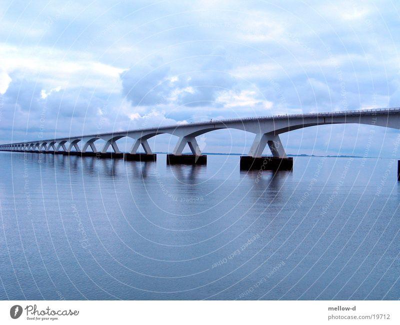 Bridge in Trouble Water Meer Niederlande Zeeland Brücke Wasser blau Filter