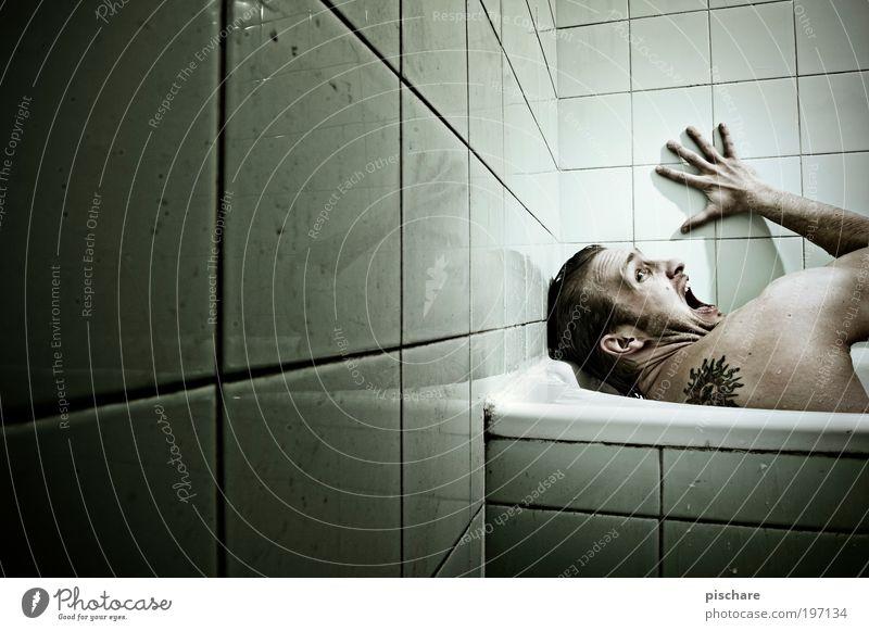 Dramaqueen grün dunkel Gefühle Angst Erwachsene maskulin verrückt Bad bedrohlich schreien Fliesen u. Kacheln Tattoo Badewanne Todesangst Mensch Aggression