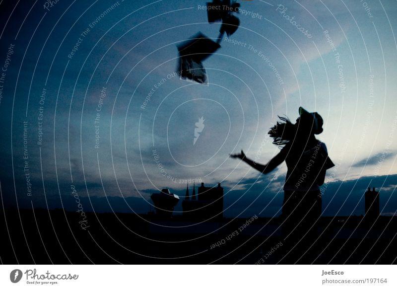 nachlassende kontaktwirkung II Frau Mensch Himmel Sommer Ferien & Urlaub & Reisen Wolken Leben Spielen Freiheit Stil Erwachsene Feste & Feiern Freizeit & Hobby
