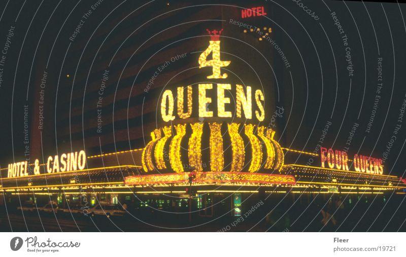 Queens Las Vegas Spielkasino Nacht Nachtaufnahme Außenaufnahme Stadtlicht Leuchtreklame