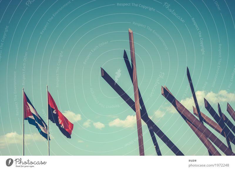 26. Juli - Nationalfeiertag Zeit Freiheit Wachstum Wind Kultur Platz Armut Vergänglichkeit Wandel & Veränderung Vergangenheit Bauwerk Fahne Verfall Kuba