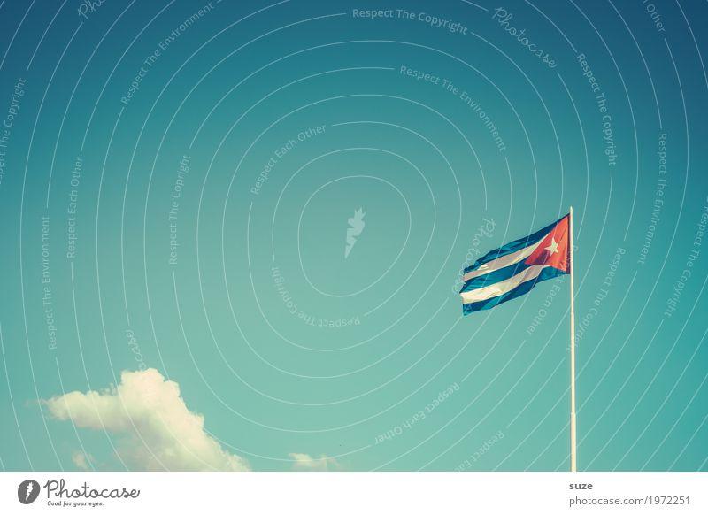Fernweh | Wehe dem Freiheit Sommer Kultur Himmel Wolken Wind Stoff Zeichen Fahne Bewegung rebellisch blau rot Stolz Politik & Staat Vergangenheit