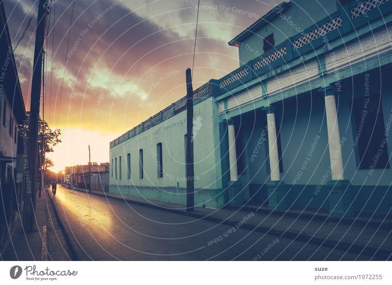Sonnengruß in Trinidad Ferien & Urlaub & Reisen alt Stadt Haus ruhig Straße Zeit Fassade Dekoration & Verzierung Kultur Fußweg historisch Vergangenheit
