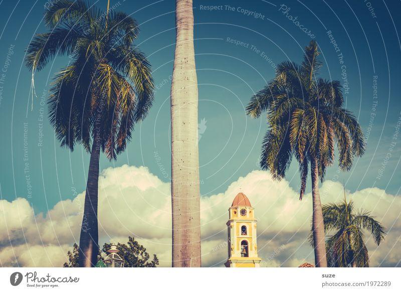 Geteilter Sommer Ferien & Urlaub & Reisen Städtereise Himmel Wolken Kirche Platz Bauwerk Gebäude Sehenswürdigkeit Wahrzeichen exotisch historisch blau gelb
