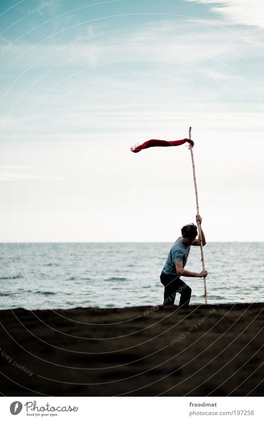 checkpoint Mensch Mann Wasser Meer Strand Einsamkeit Erwachsene Wege & Pfade Bewegung Arbeit & Erwerbstätigkeit Wind Schilder & Markierungen maskulin Abenteuer
