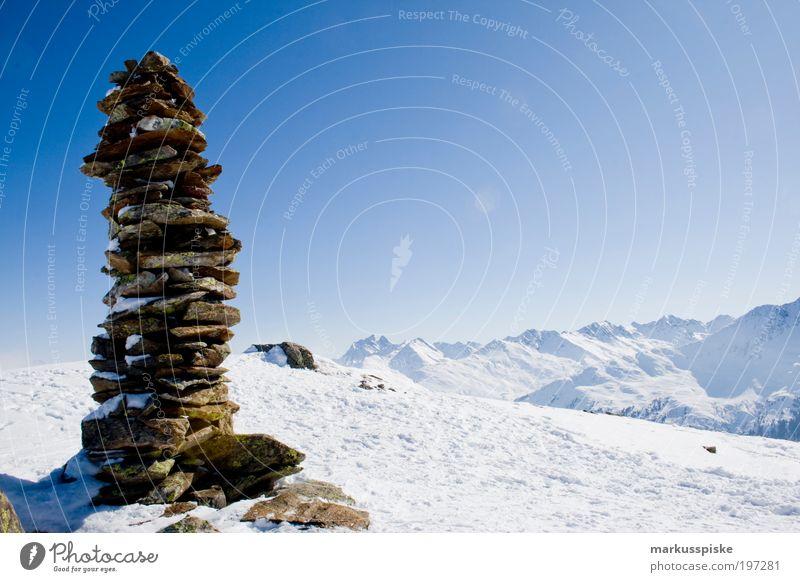 dankt dem gipfel wandern Skier Gipfel Gipfelkreuz Denkmal Ferien & Urlaub & Reisen Tourismus Ausflug Ferne Freiheit Expedition Winter Winterurlaub