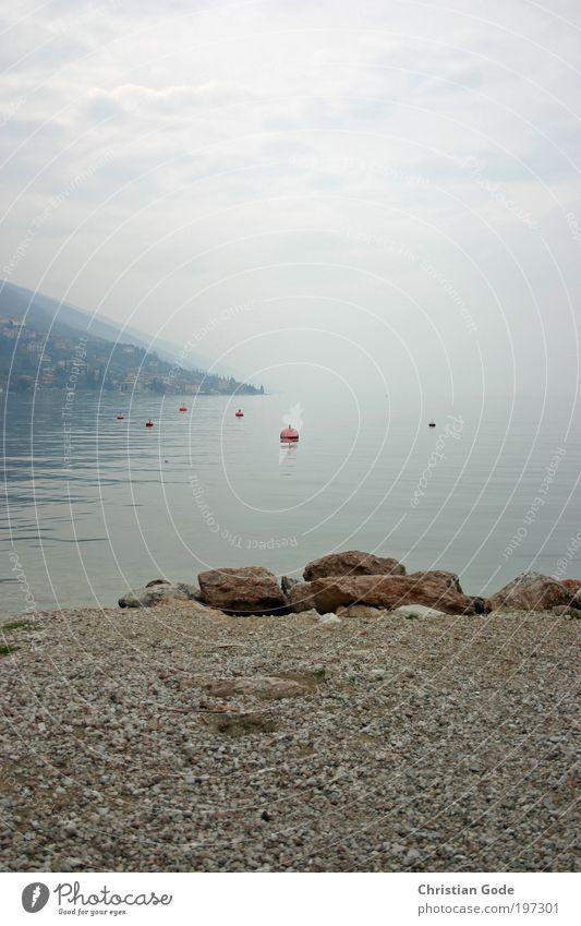 Der See Umwelt Natur Landschaft Pflanze Tier Wasser Wassertropfen Himmel Gewitterwolken Sommer Wetter schlechtes Wetter Wind Nebel Regen blau grau Stein Kies