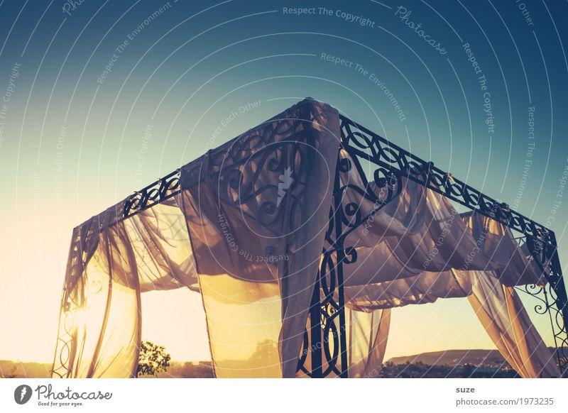 TT | Luftiges Himmelbett Himmel (Jenseits) Wärme Wind Romantik Bett exotisch Vorhang Schleier luftig himmelwärts Gestell Himmelszelt Himmelstor Dachterrasse