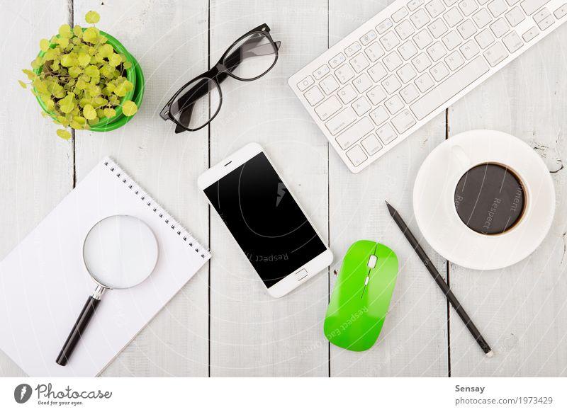 weiß Holz Business Arbeit & Erwerbstätigkeit Textfreiraum Büro modern Technik & Technologie Tisch Computer lesen Kaffee Telefon Suche Tee Schreibtisch