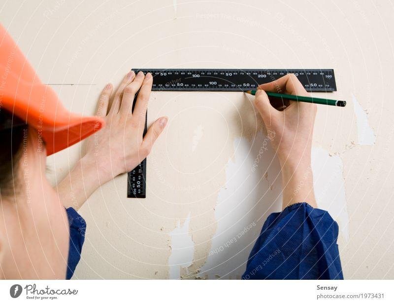 Arbeitskraft mit Ecke und Bleistift in der Hand Dekoration & Verzierung Tapete Arbeit & Erwerbstätigkeit Handwerker Werkzeug Frau Erwachsene Handschuhe Papier