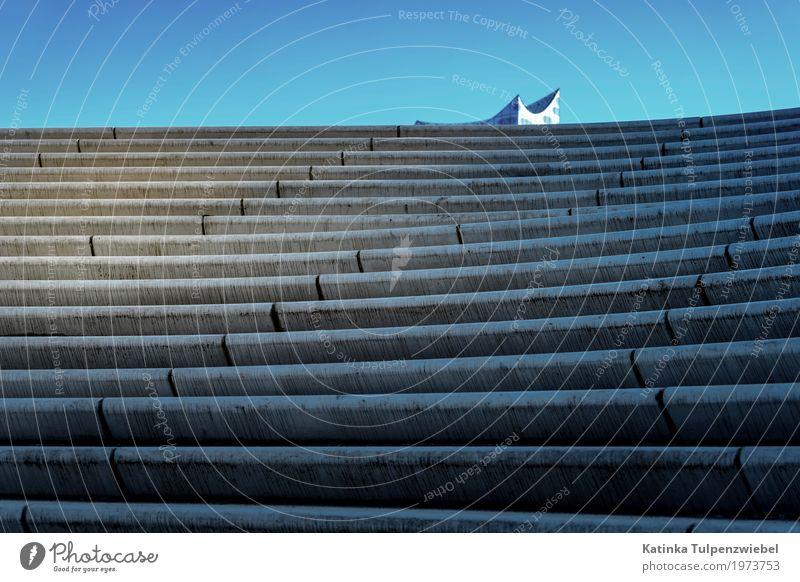 Auf dem Weg zur Elbphilharmonie blau Stadt Architektur Bewegung Gebäude außergewöhnlich Feste & Feiern grau Stein Design Treppe elegant modern Glas ästhetisch