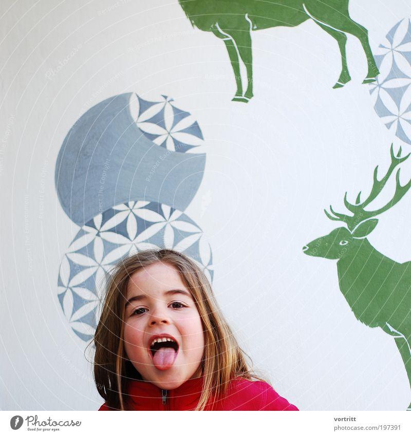 Bäähhhh Design Jagd Mensch Kind Mädchen 1 3-8 Jahre Kindheit langhaarig Wildtier Hirsche Tier Zeichen Ornament Lebensfreude authentisch frech Farbfoto