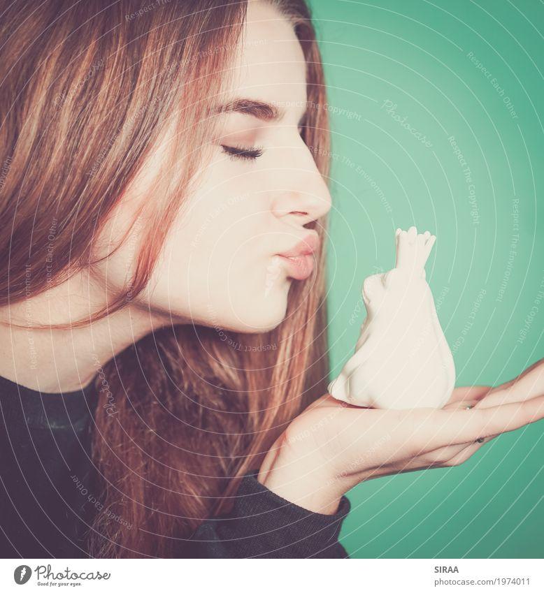 Kiss me! feminin Mädchen Junge Frau Jugendliche Kopf Haare & Frisuren Gesicht Mund 1 Mensch 13-18 Jahre blond langhaarig Spielzeug ästhetisch schön niedlich