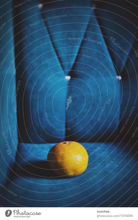 blau & gelb Frucht Zitrusfrüchte Grapefruit Vitamin Gesundheit Gesunde Ernährung Sofa Sessel ohrensessel Licht & Schatten