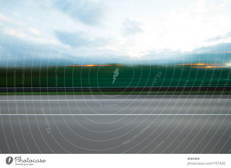 autobahn impression I Ferien & Urlaub & Reisen Wolken Ferne Straße Freiheit Linie Geschwindigkeit Verkehr Ausflug fahren Asphalt Autobahn Lastwagen Verkehrswege