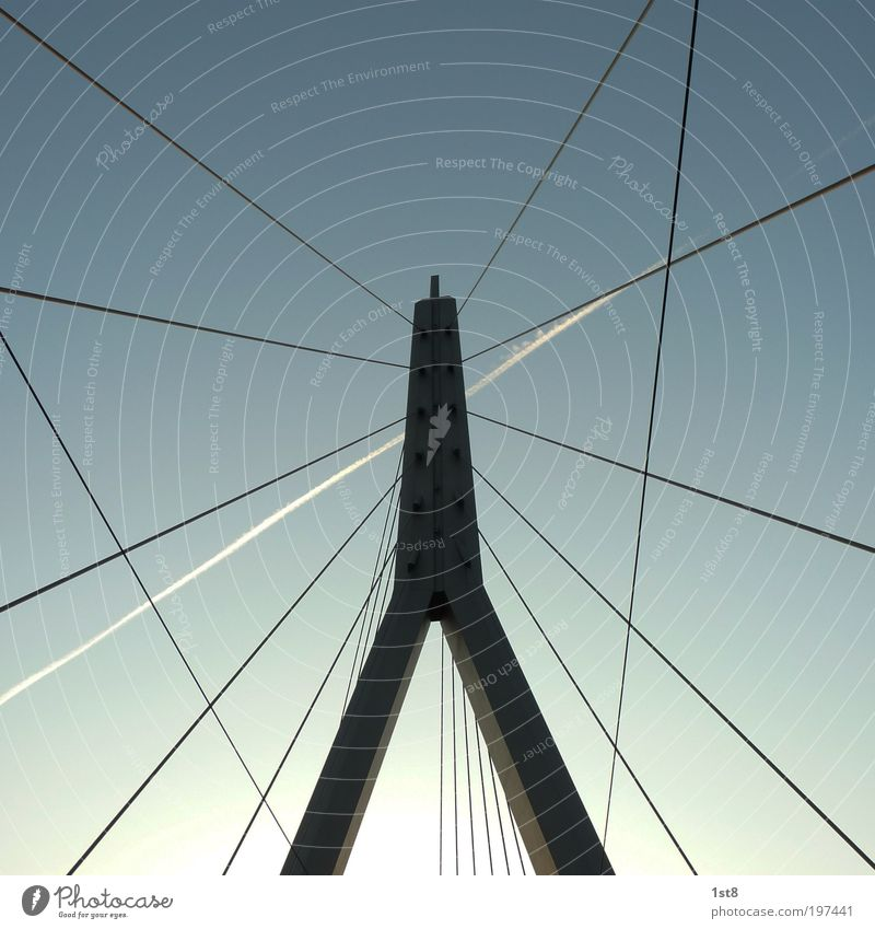 Berliner Brücke - Halle Saale Himmel ruhig Straße Architektur Wege & Pfade Kraft Verkehr Luftverkehr Turm Bauwerk Sehnsucht Stahlkabel Verkehrswege