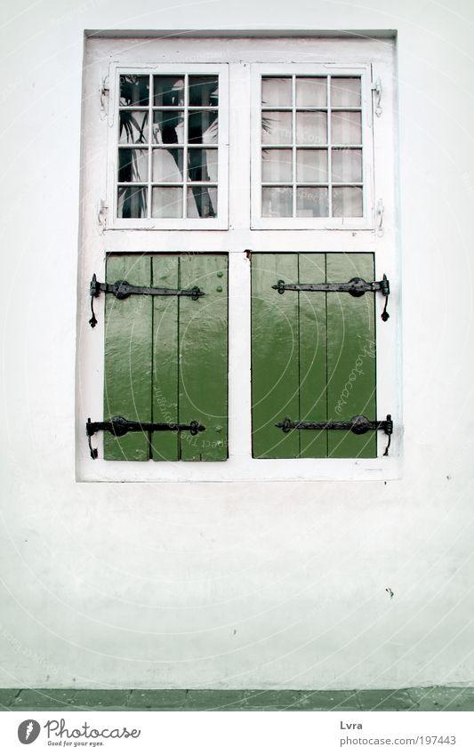 alt weiß grün Stadt ruhig Haus Fenster Wand Architektur Holz grau Mauer Park Zufriedenheit Platz Frieden