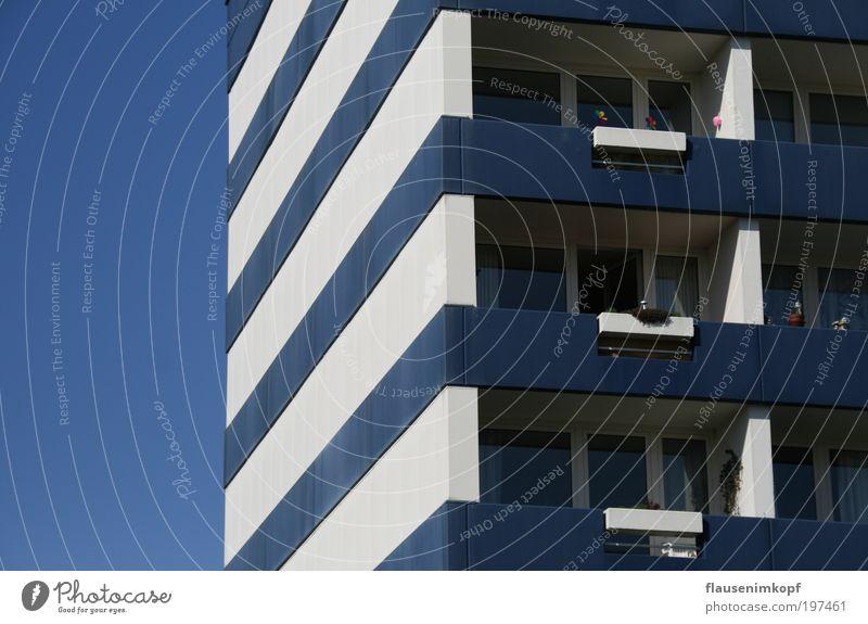 Quadratur Lebensraum Stadt Haus Wohnung Hochhaus hoch Fassade Ordnung Häusliches Leben Licht
