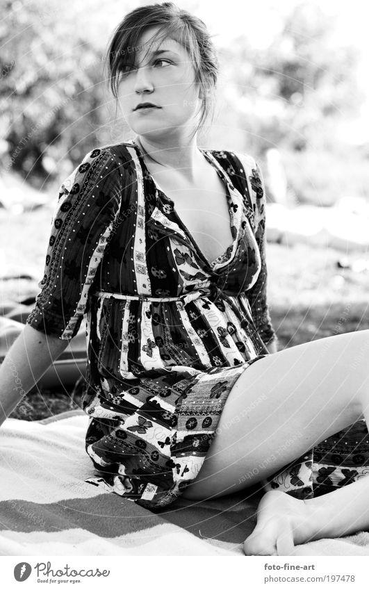 Mädche bei Kempen Frau Jugendliche weiß schön Sonne Ferien & Urlaub & Reisen Sommer schwarz Erwachsene Gesicht feminin Erotik Freiheit Gefühle Stil Stimmung