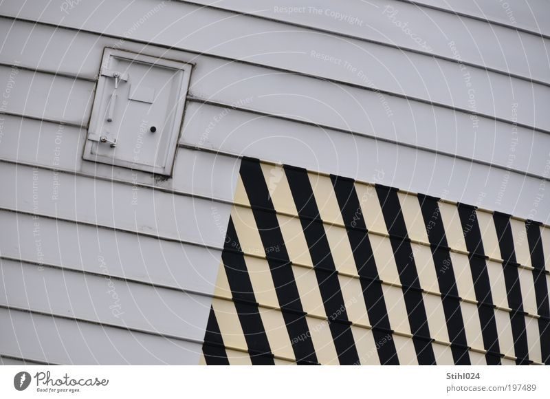quergestreifte Querstreifen weiß schwarz gelb grau Linie Tür Industrie Sicherheit gefährlich trist Technik & Technologie rund Streifen Schnur Stahl Kunststoff