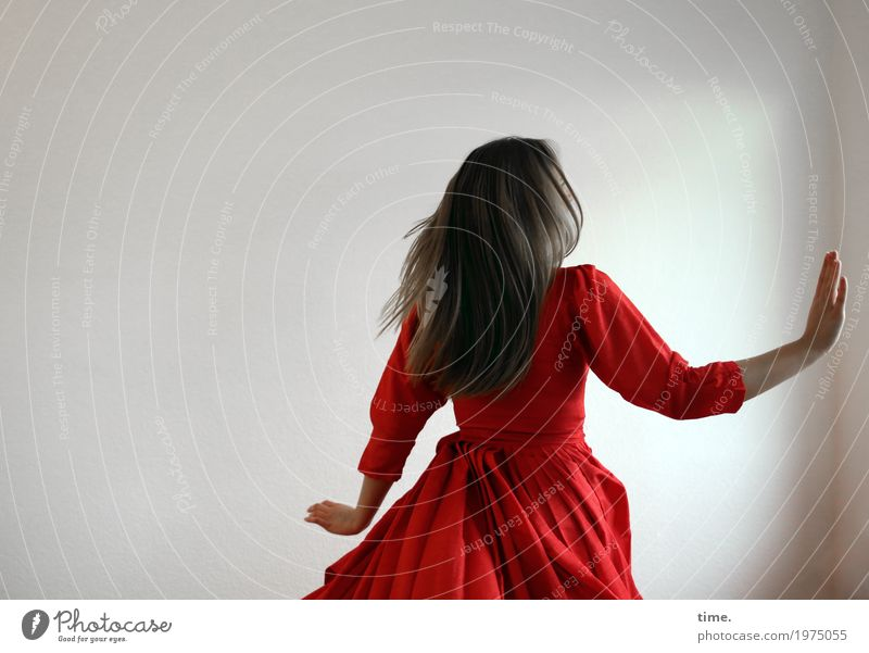 . Mensch Jugendliche Junge Frau schön rot Leben Bewegung feminin Glück Stimmung wild Zufriedenheit blond ästhetisch authentisch laufen
