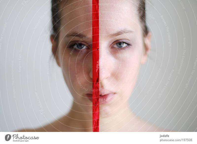 böses Mädchen | gutes Mädchen feminin Junge Frau Jugendliche 1 Mensch 18-30 Jahre Erwachsene ästhetisch rot modern Trennung Verschiedenheit 2 Seite Blick ernst